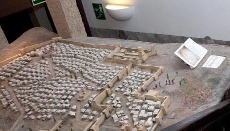 una maqueta expuesta en el museo de terra santa